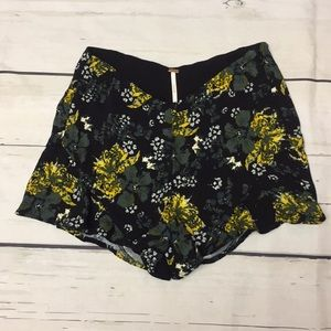 Free People Fiona Flutter Tropical Print Shorts 2