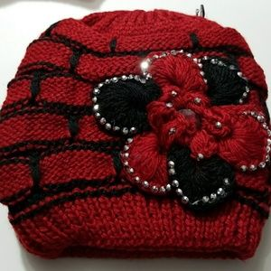 Thick, warm, cozy and fashionable winter hat