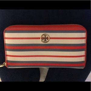 Authentic Tory Burch Robinson the wallet
