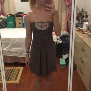 Brow strapless dress