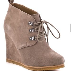 Steve Madden Tanngoo Suede Taupe Bootie Wedges
