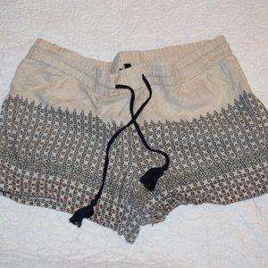 LOFT Linen Shorts - L