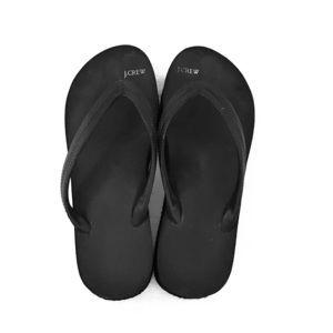Black platform thong flip flop!