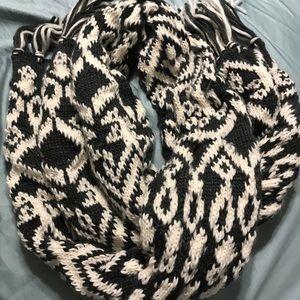 Warm comfy scarf