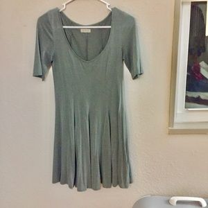 Sage green pleated dress - Silence & Noise