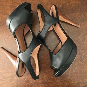 Ann Taylor  Shannon platform sandal black 8.5m