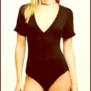 Free people V neck bodysuit oh me oh my