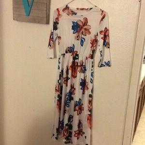 Other - NWOT• Girls Floral Maxi Dress