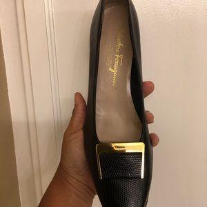👠 Salvatore Ferragamo Black Heels with gold tone