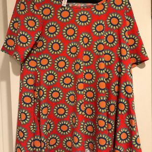 NWT Lularoe Perfect T-Medium