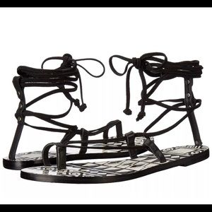 NWB Dolce Vita chandler Gladiator black sandals7.5
