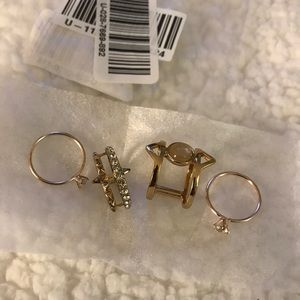 Jewelry - 4-Ring Gold Set