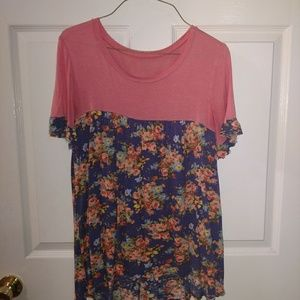 Coral boutique top with floral bottom