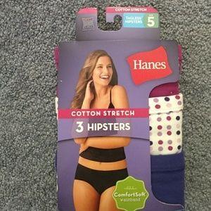 Hanes cotton hipster style underwear. 3 pack.