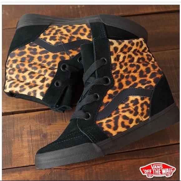 00b4b97526 Vans SK8-Hi Wedge Sneakers Leopard Black Size 8. M 5a112193bf6df55e9605b49f