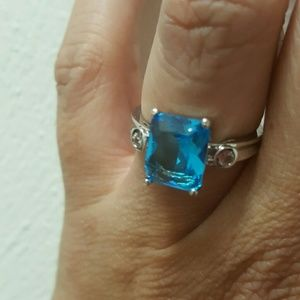 Jewelry - Stunning Topaz Sterling Silver Ring