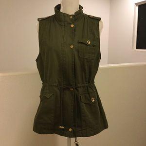 Olive utility vest. Gold accents. Size XL