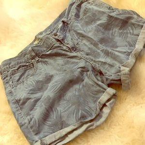 Boyfriend jeans hot short