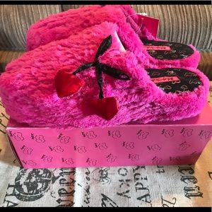 Betsey Johnson Pink slippers Sz 9 New with box