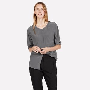 Everlane Gray 100% Silk Double Pocket Top Size L