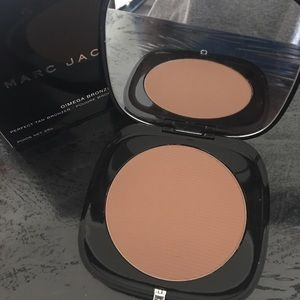 Marc Jacobs gigantic bronzer