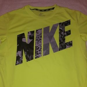 Nike dri fit t-shirt