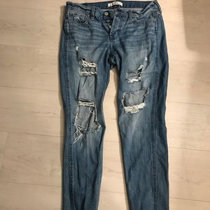 Size 1 or W 25 women's Hollister distressed jeans