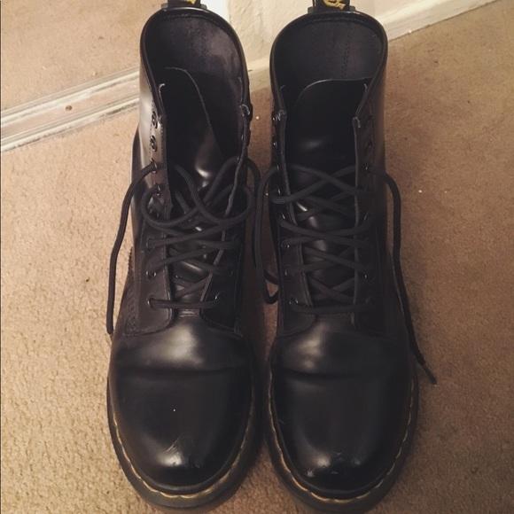 259b8a17216 Dr. Martens 1460 Combat Boots