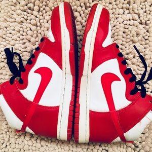 Nike. Red.White.Black.