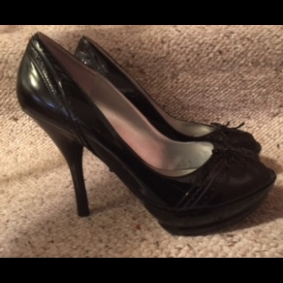 346c9892830 Guess Black Patent Leather Peeptoe Heels