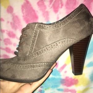 New - Size 8