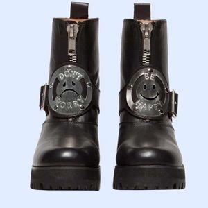 UNIF DWBH combat boots size 7
