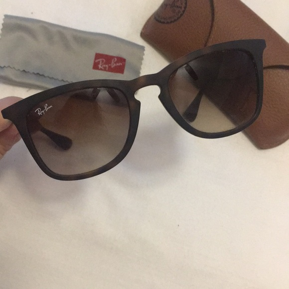c0d84058c4 Ray-Ban Women s Sunglasses