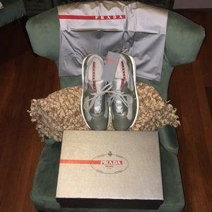 Men's authentic Prada sneakers!