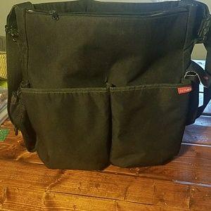 Skip Hop 9 pocket diaper bag (no accessories)