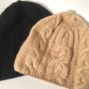 BUNDLE 2 GAP beanie hats