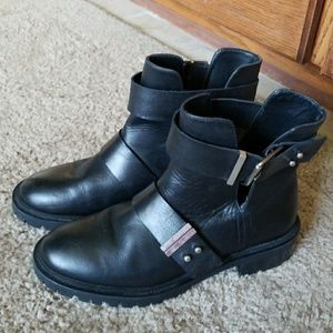 Zara black leather ankle boots.
