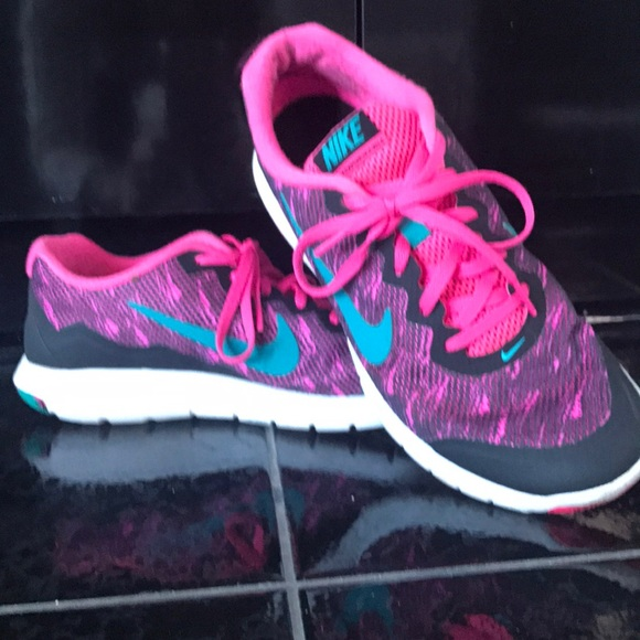 Nike sz 9 running shoe