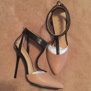 "NEW! L.A.M.B. ""Serena"" natural & black heels"