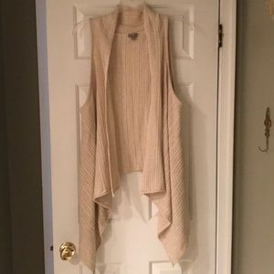 EUC J.Jill ivory cable knitted sweater vest