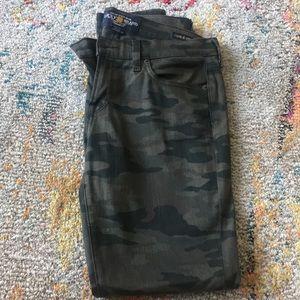 Reposh- Lucky Brand Camo skinny jeans