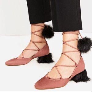🎄🎁GIFT ALERT🎄🎁 Zara Suede Sandals with Pom Pom