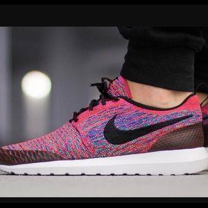 NEW Nike Roshe NM Flyknit SE: Pink Multi, 10&10.5!