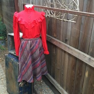 Cute vintage plaid wool midi skirt