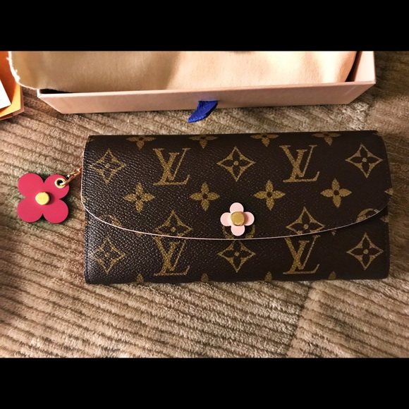 efbaa2139ec0 DEADSTOCK Louis Vuitton Emilie Bloom Wallet