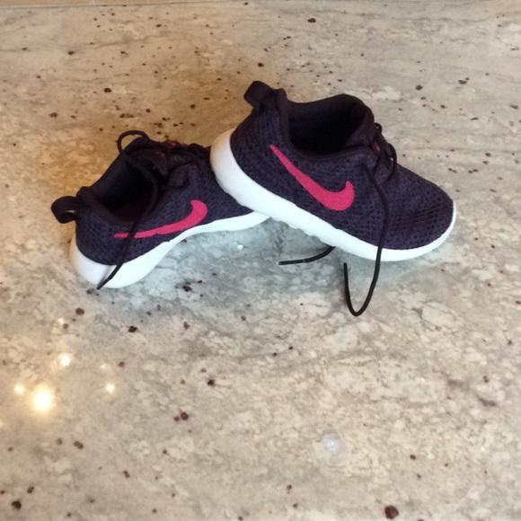 Nike Shoes | 27 Toddler Girls Roche Run