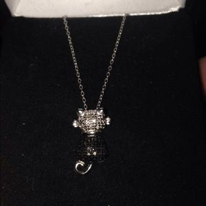 Jewelry - Sterling silver cat necklace