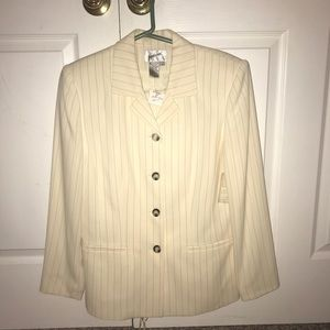 NEVER WORN Women's Cream Pin Stripe Pant Suit