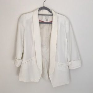 Lauren Conrad Size 6 off white blazer