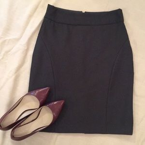 Banana Republic Charcoal Grey Skirt Size 2
